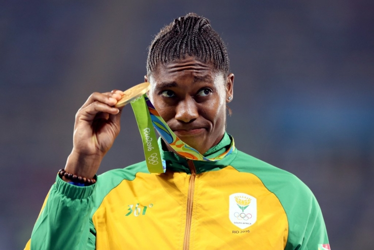 Caster-Semenya-with-her-gold-medal